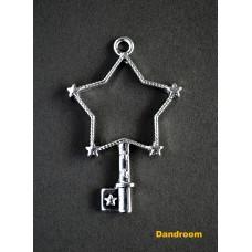 Форма (рамка, подвеска) для эпоксидной смолы, Звезда, ключик (серебро)